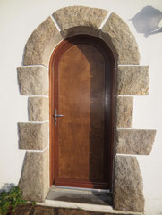 Remplacement d'une porte d'entrée bois cintrée