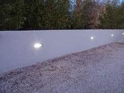 gros plan sur l'eclairage led d'un jardin dans une maison à marseille