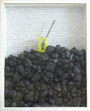 Hommage an Werner Graeff, 2010, Kohle, Glas, Pinsel, Bleistift, Acryl, 70 x 56 x 9 cm