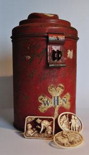 Collectebus W.H.N. en sprookjes spelden van de sprookjes serie.