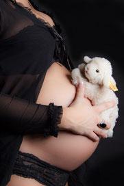 Schwangerschaft, babybauchfoto, beachtenswert fotografie, Wittbek, Husum, babybauch, shooting babybauch, 9Monate, Nordfriesland, Fotografin, Susanne Dommers