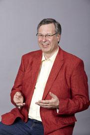 Bild: Dr Günter Medweschek erklärt die Erfolgsstrategien für die Umbruchphase im Leben