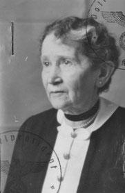 Passfoto von Franziska Katzenstein auf ihrer Kennkarte für Juden