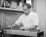 Jürgen Stiffel WBS Pedal Steel Guitarist bei den Jumpers