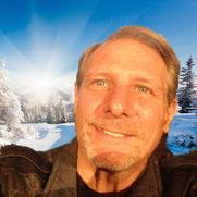Pierre Villette, créateur des méthodes « LI-BEMO », DMO et « DES » est auteur, confé-rencier, thérapeute et énergéticien.