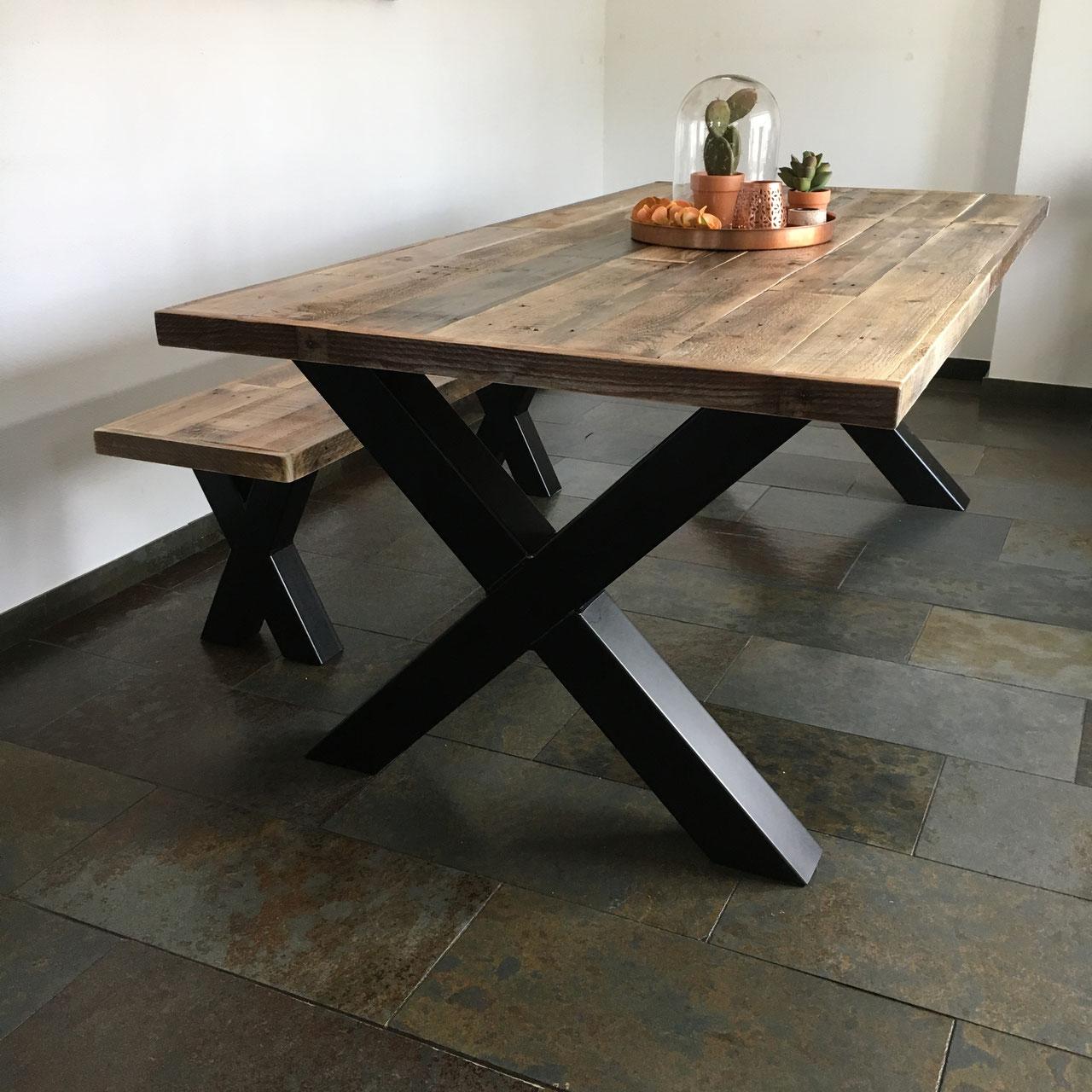 eet tafel bank staal en hout unieke stoere meubelen