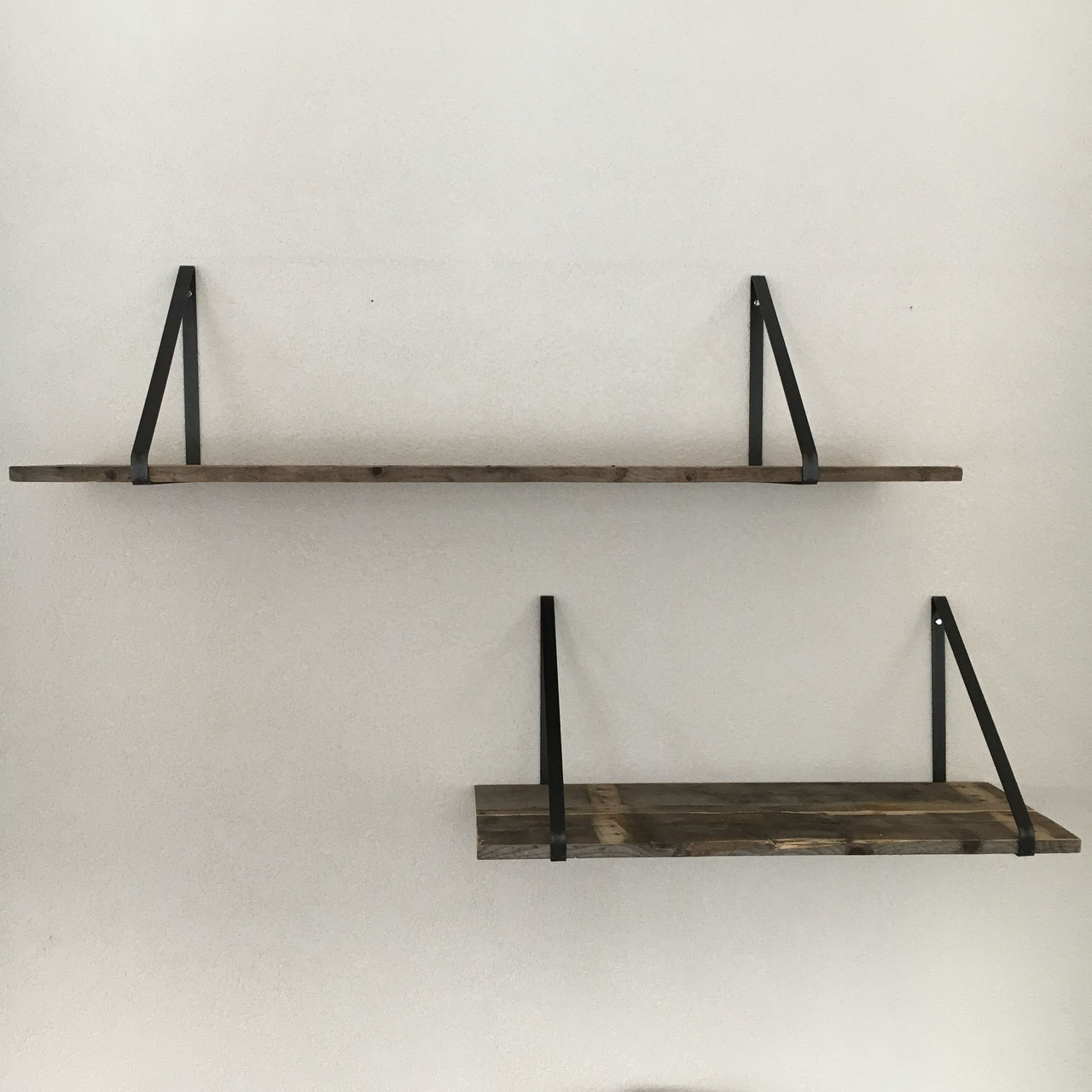 Zwevende Plank 30 Cm Diep.Plankendrager Staal En Sloophout Unieke Stoere Meubelen Van Zwart