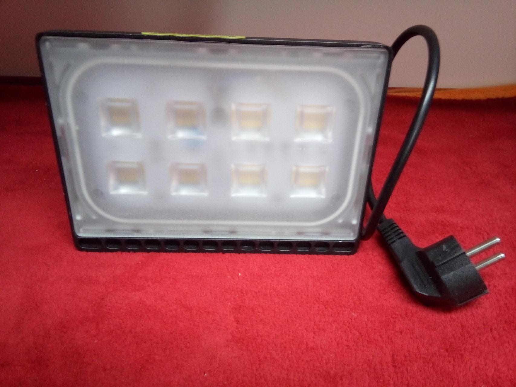 Hervorragend LED Strahler mit Stecker - LED Strahler Fluter Spot Panel Röhren ZW95