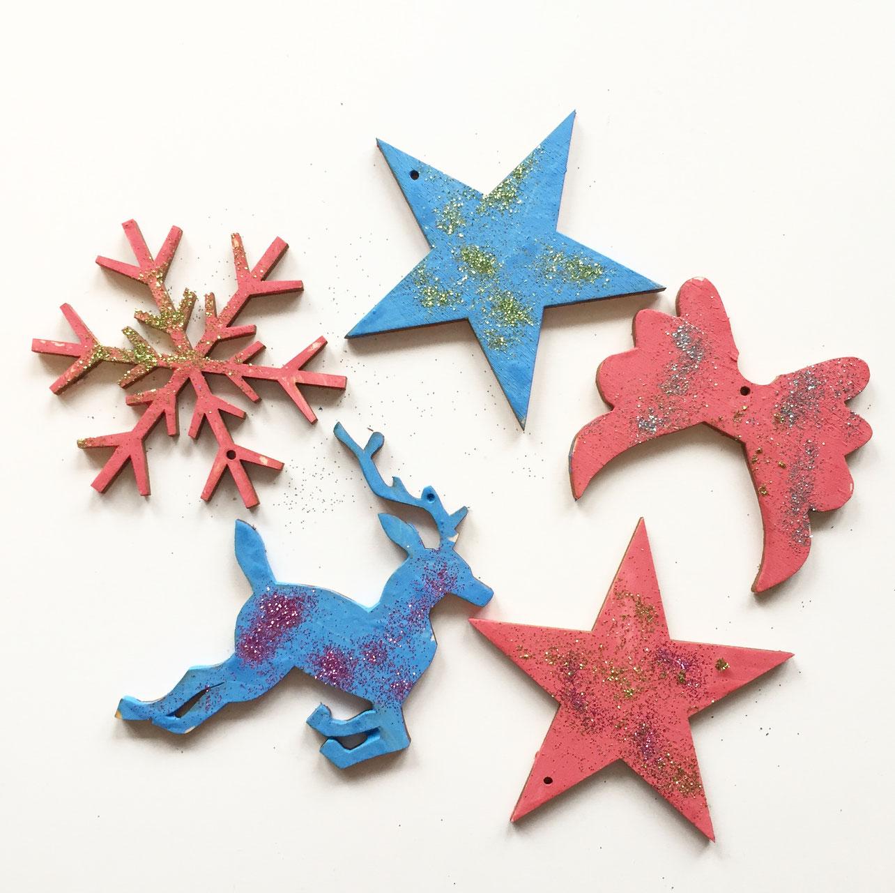 Fingerfarbe Weihnachten.Holzanhänger Weihnachten