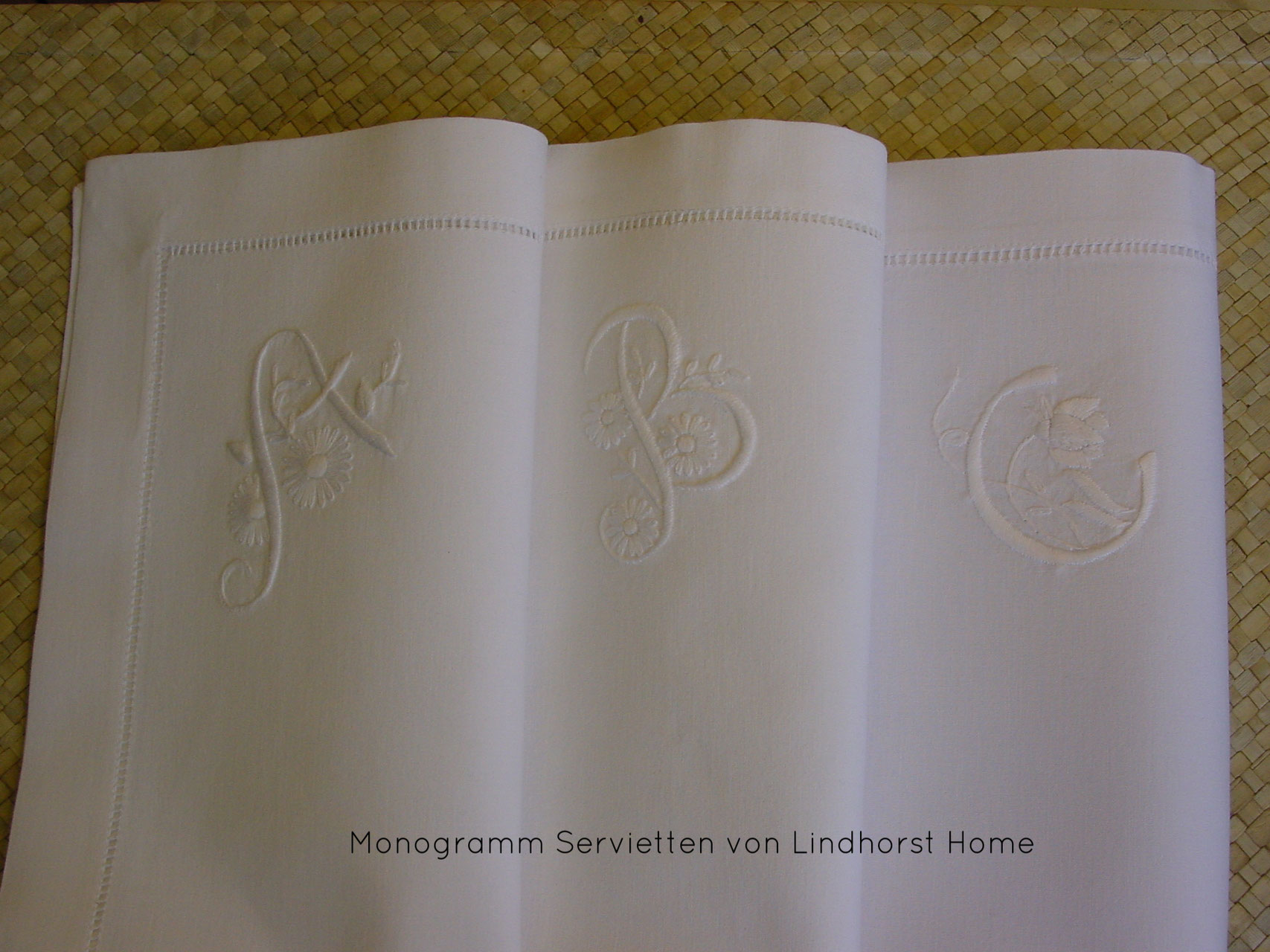 monogramm servietten lindhorst home. Black Bedroom Furniture Sets. Home Design Ideas