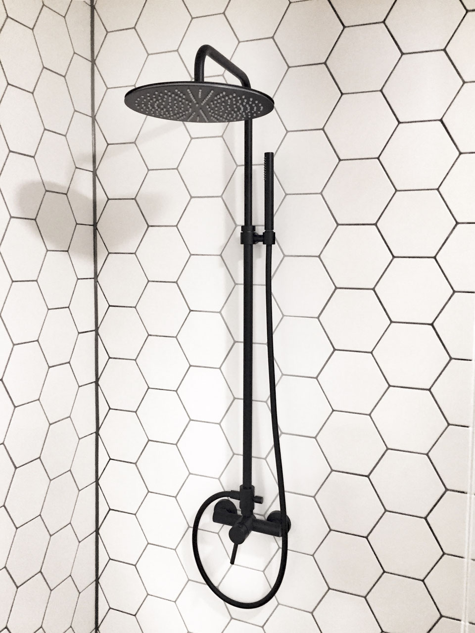 design bad armaturen serie oxo taptrading. Black Bedroom Furniture Sets. Home Design Ideas