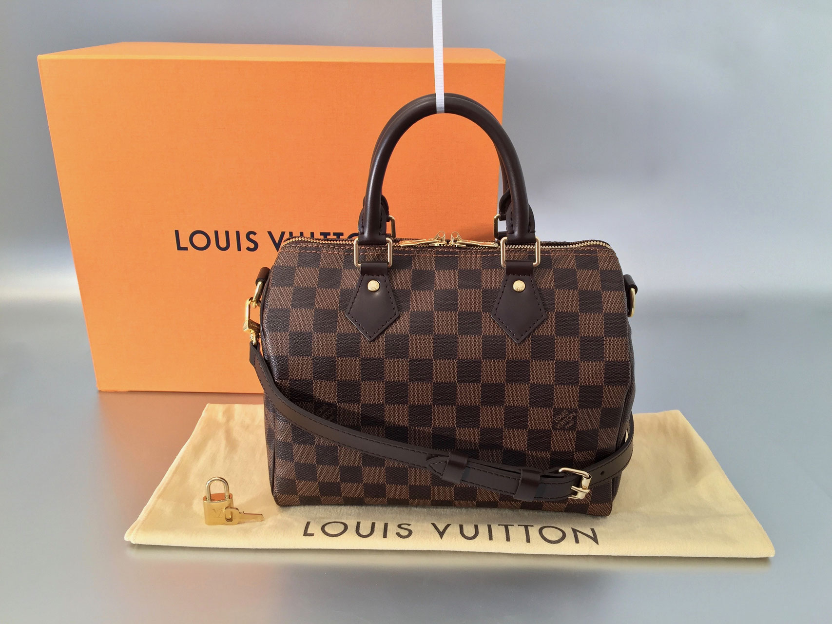 louis vuitton damier ebene speedy bandouliere 25 ankauf verkauf second hand designertaschen. Black Bedroom Furniture Sets. Home Design Ideas