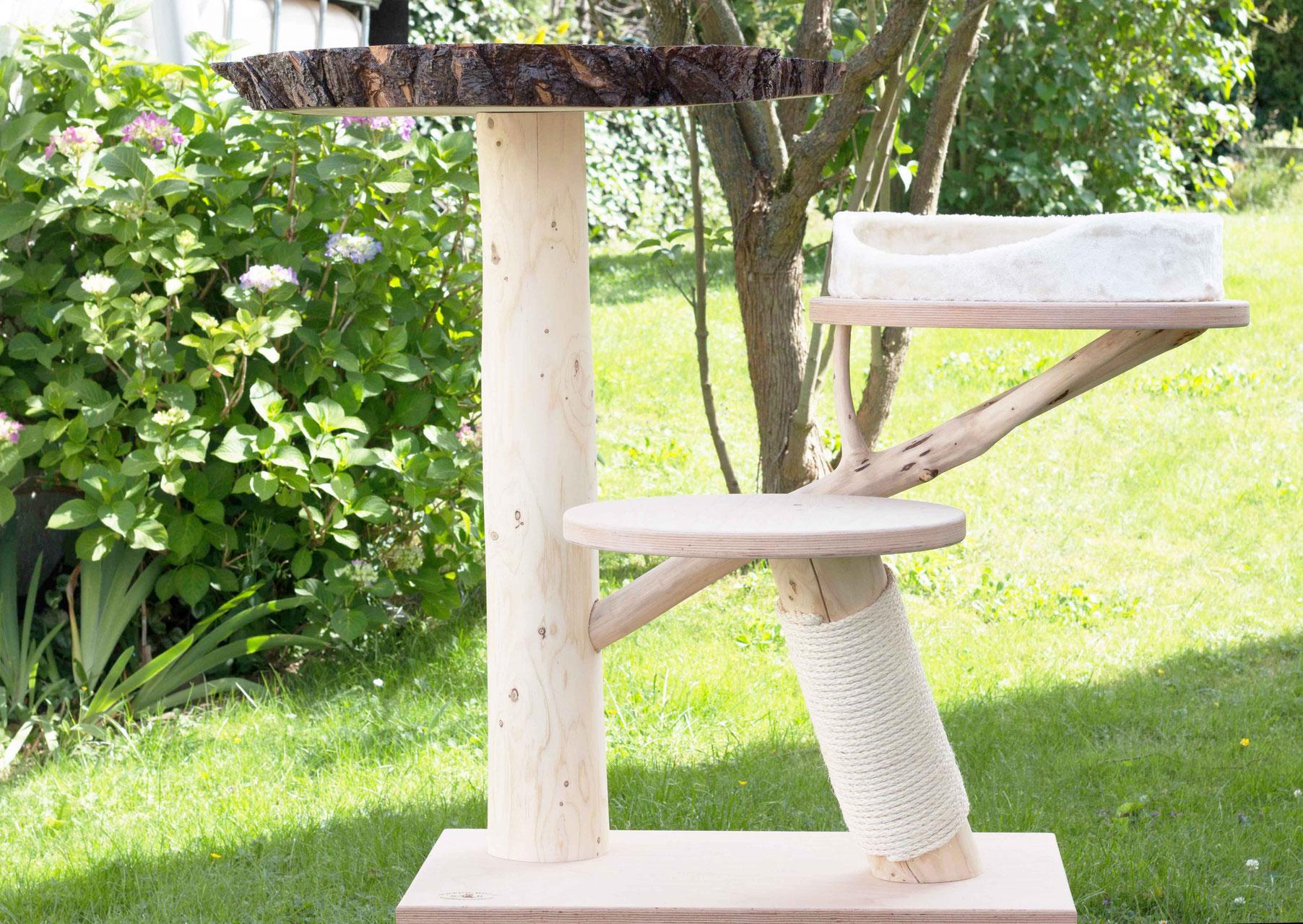 kratzbaum anton lebens t r ume f r katze und mensch katzenm bel onlineshop. Black Bedroom Furniture Sets. Home Design Ideas
