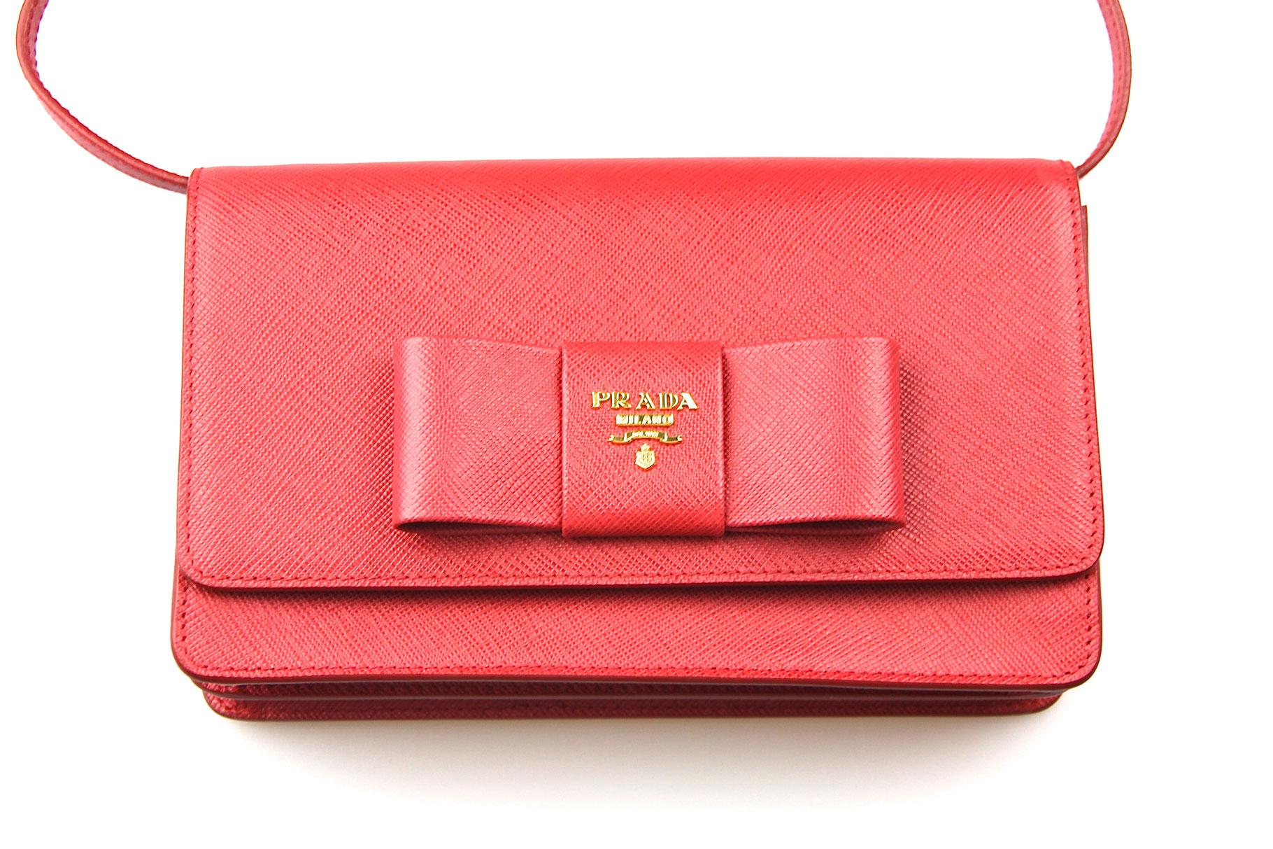 77d679008d555 Prada Saffiano Wallet on Chain in Rot