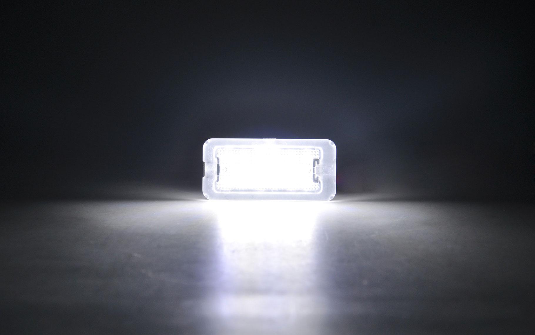2x LED KENNZEICHENBELEUCHTUNG KENNZEICHENLEUCHTE AUDI A1 8X SPORTBACK BJ AB 2011