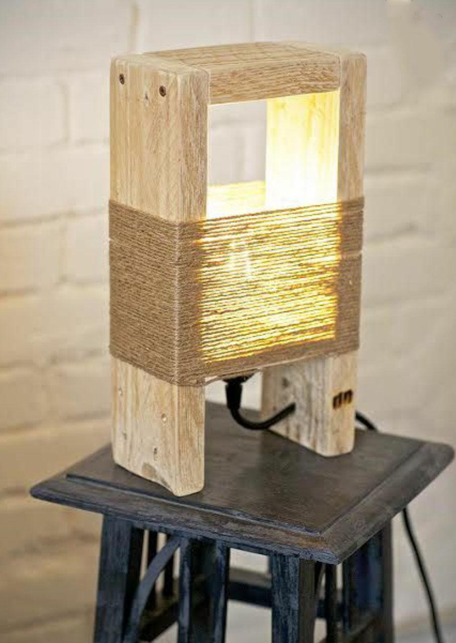 L mpara de mesa u madera y cuerda for Lamparas de mesa de madera