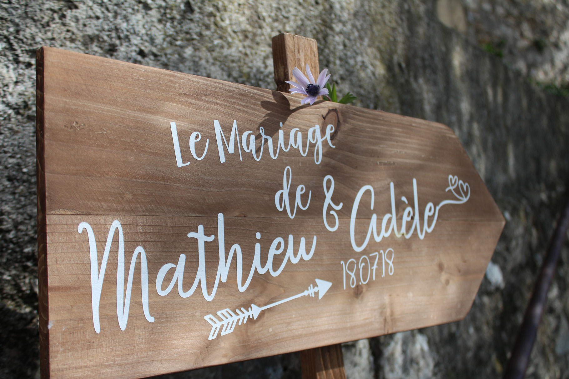 pancarte mariage bois de palette deco in the wood for love. Black Bedroom Furniture Sets. Home Design Ideas
