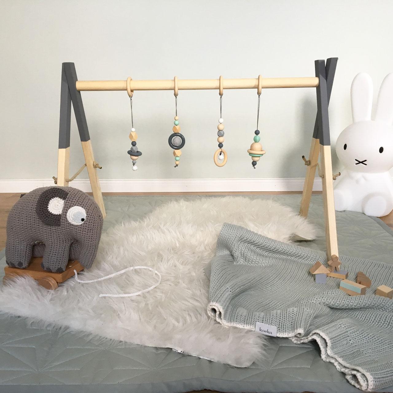 spielebogen und babyschaukel lieblingsstuecke by anni. Black Bedroom Furniture Sets. Home Design Ideas