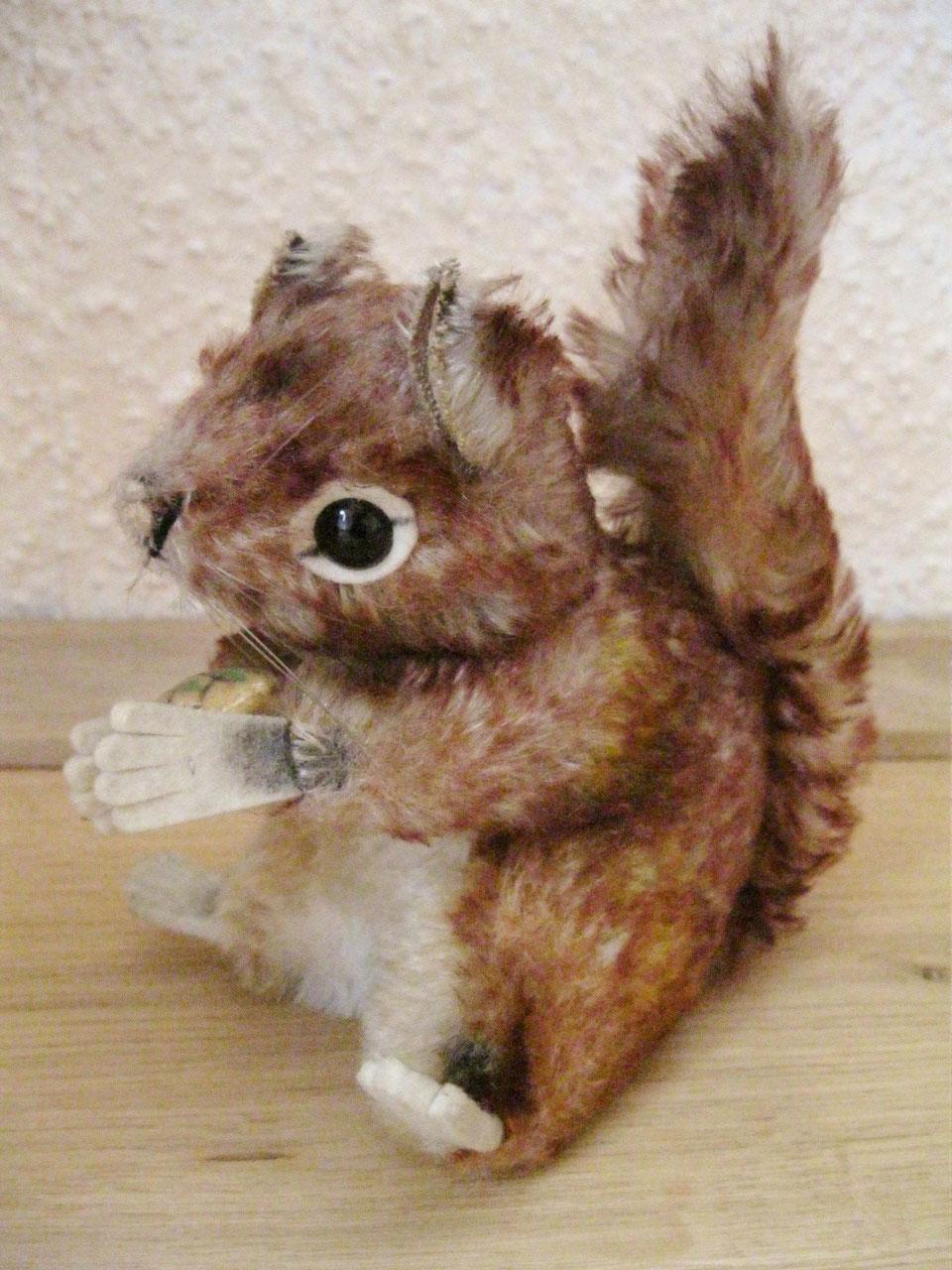 Eichhörnchen Perri von Steiff - Schöne antike Möbel und Uhren in ...