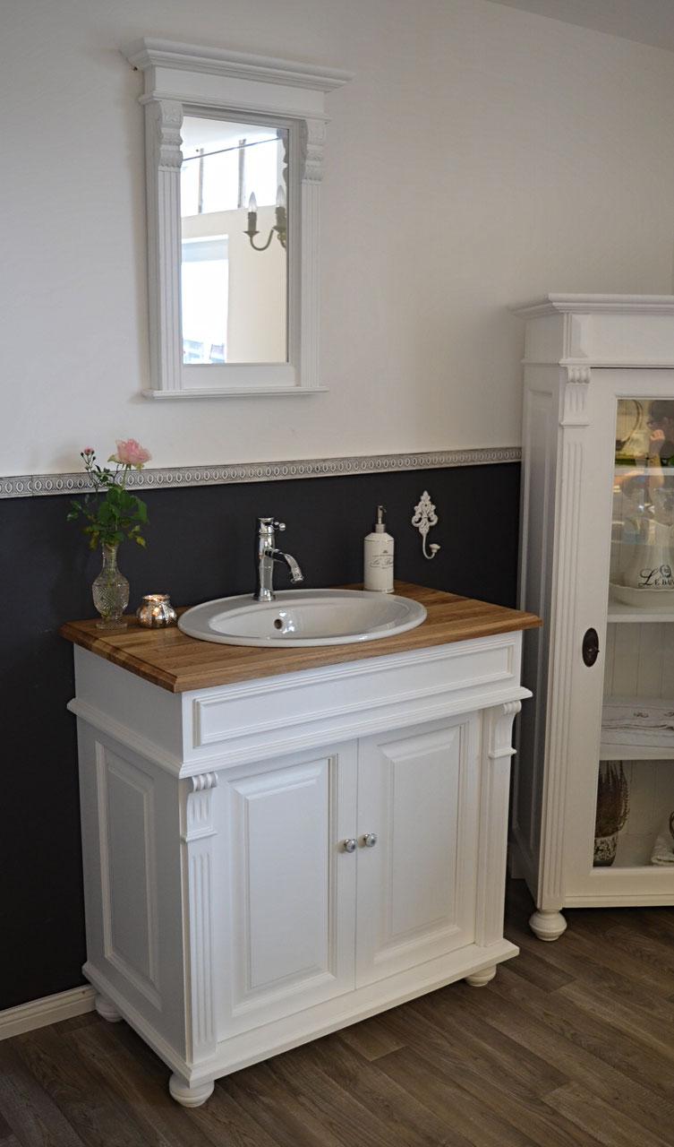 mittlere landhaus waschtische land liebe badm bel landhaus. Black Bedroom Furniture Sets. Home Design Ideas