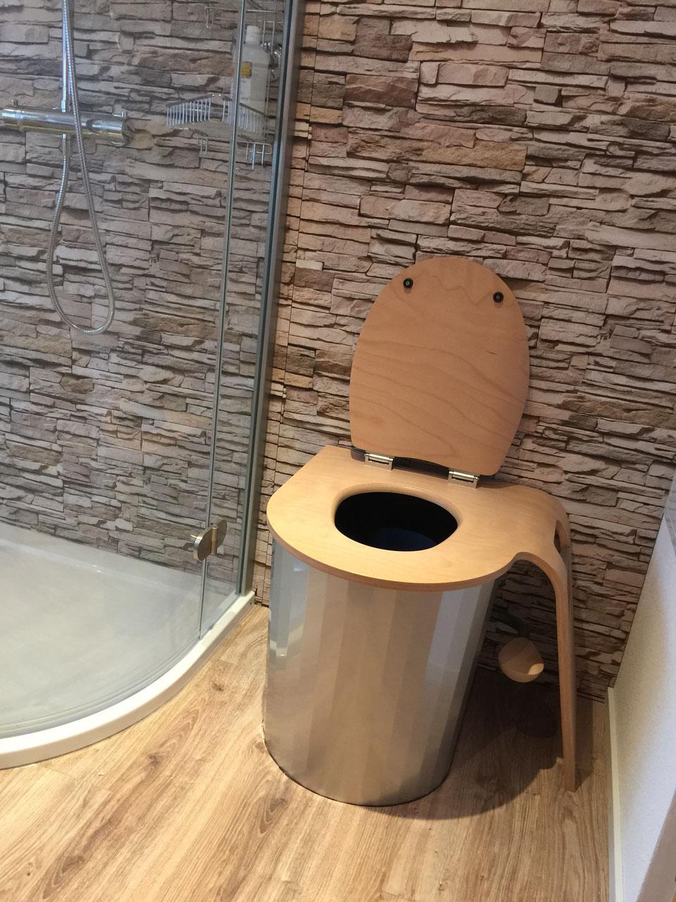 verkauf die revolution der toilette. Black Bedroom Furniture Sets. Home Design Ideas