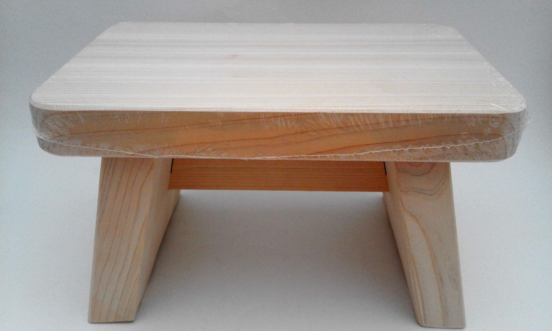 tabouret de bain en bois hinoki cool japan boutique de produits japonais authentiques. Black Bedroom Furniture Sets. Home Design Ideas