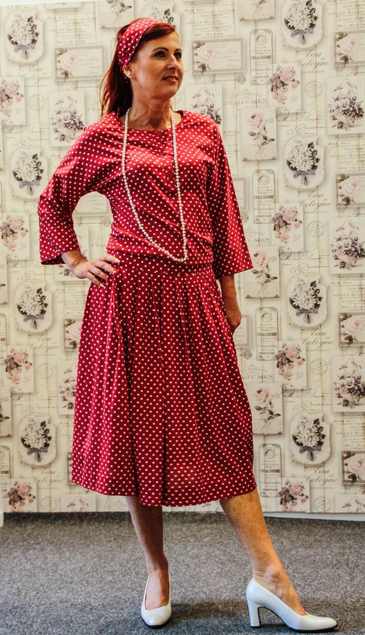 vintage laura ashley tupfenkleid shoppen modeatelier. Black Bedroom Furniture Sets. Home Design Ideas