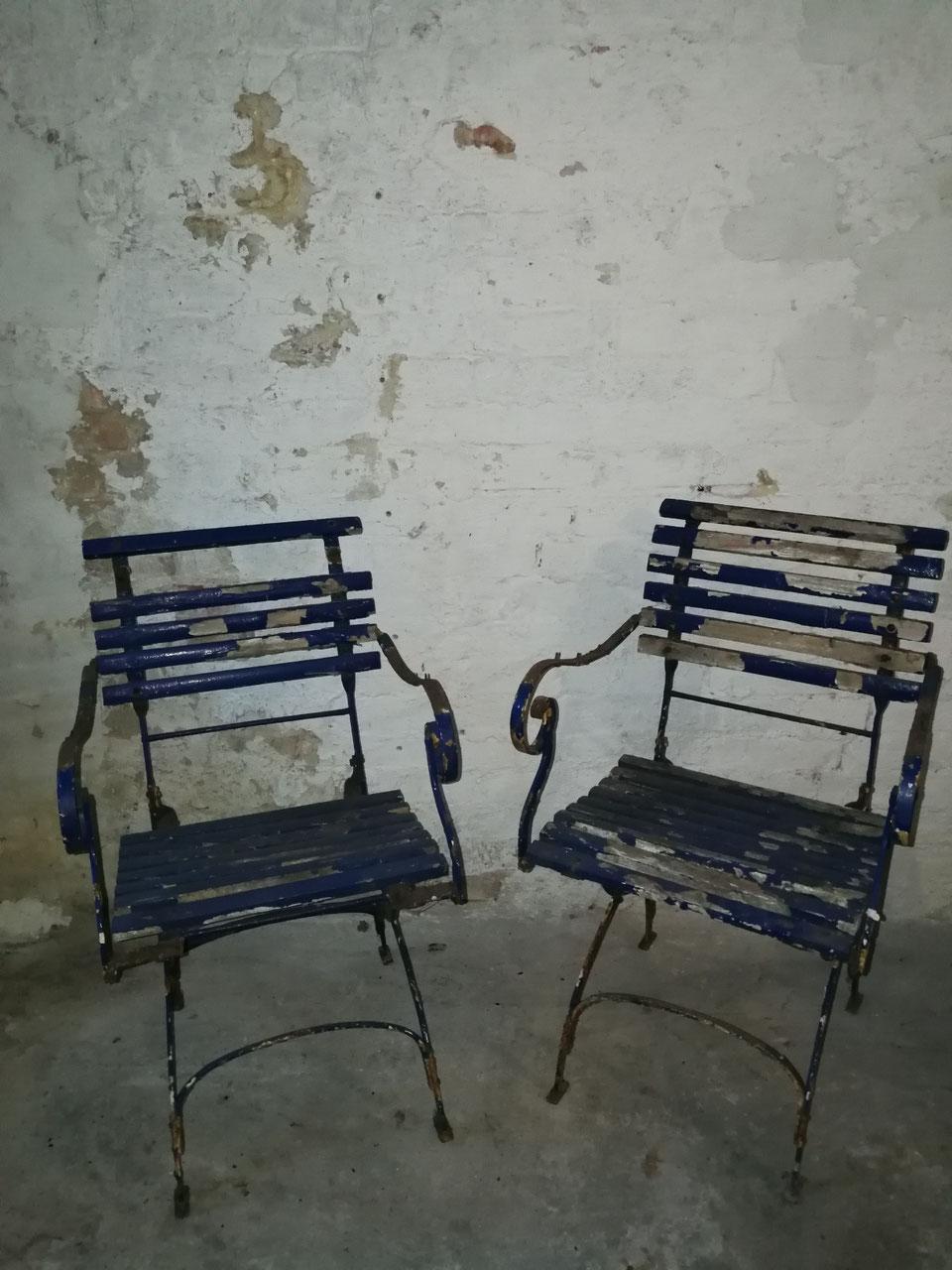 St hle b nke liegen villaterra vintage industrie - Gartentischchen metall ...