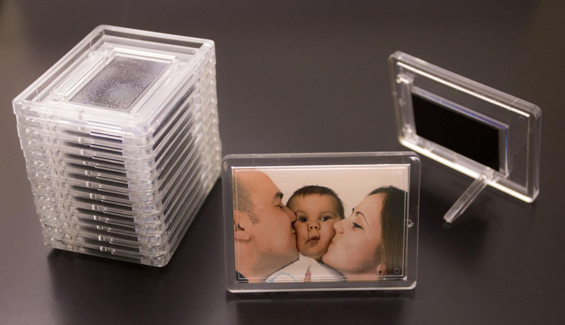 фото в пластике магнит куда захоронили