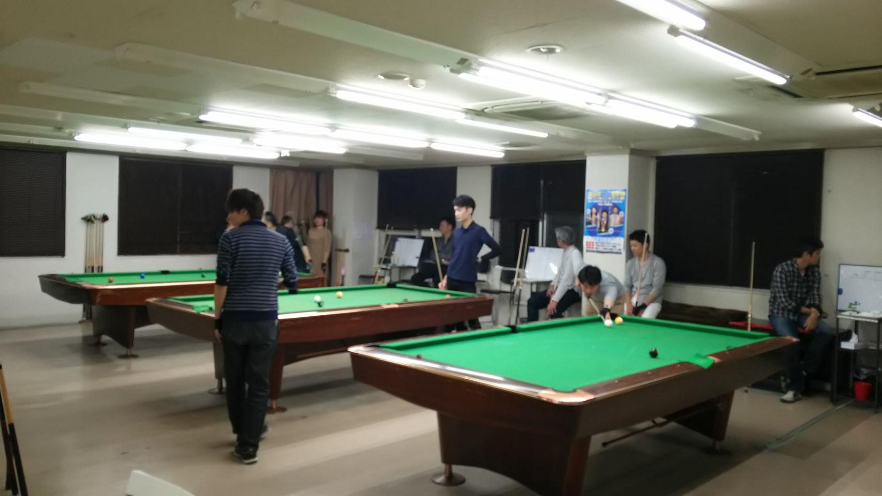 予選ジャパン9ボールの風景です。4人対戦のジャパンになりました。
