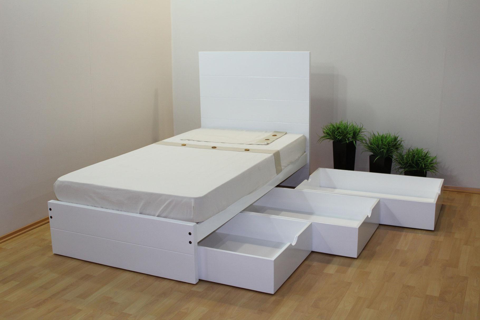 Cama Modelo Tambor Con Tres Cajones - Muebles GM (Muebles de Madera)