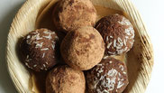 Cacao and coconut protein balls