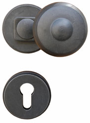 Security set with crancked knob
