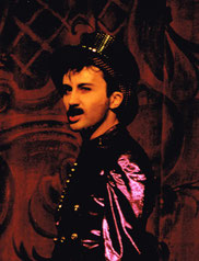 """Bruno als Luigi Lucheni in """"Kitsch"""" im Theater an der Wien"""