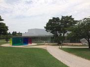 金沢21世紀美術館の建物。