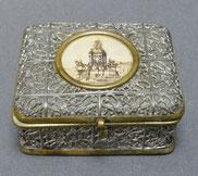 Tabatiere Zinn, Messing, Lithographie Siegessäule, Historismus, € 165,00