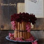 チョコレート色のお花でスイート&クールに♪