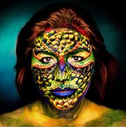 Reptiloidenfrau, Frau mit Schlangengesicht