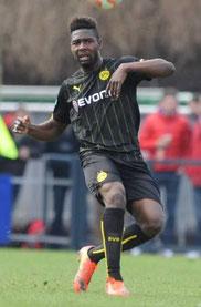 Emmanuel Mbende im Trikot von Borussia Dortmund