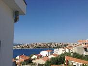 Aussicht auf die Mavarstica Bucht aus dem Bett