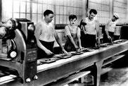 """Charlie Chaplin dans """"les temps modernes"""""""