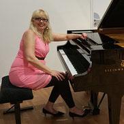 Lydie-Armelle Hass, professeure diplomée cours de piano à LCJ Vaucresson, Garches, La Celle Saint Cloud, Bougival, Le Chesnay, Ville d'Avray