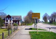 In Nübelfeld biegen Sie ab