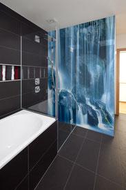 Duschwand als Fliesenspiegel mit Bild
