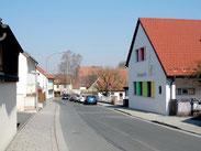 Die Sonntaggstraße (rechts der Kindergarten)