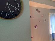 施術室写真 時計・壁