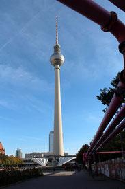 Der Fernsehturm, ein Wahrzeichen Berlins. Foto: Helga Karl