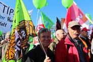 Teilnehmer bei der Großdemo Stoppt TTIP/CETA  10.Okt.2015