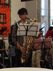 Get in Line ソロ はるもこ メインステージではアルトでここではバリでソロを吹いてました(^^♪