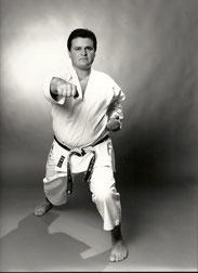 Arif Demiral - seit 36 Jahren Karate Do 6. Dan
